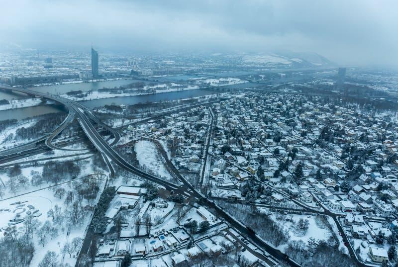 Snowy-Vogelperspektive von Wien stockfotos