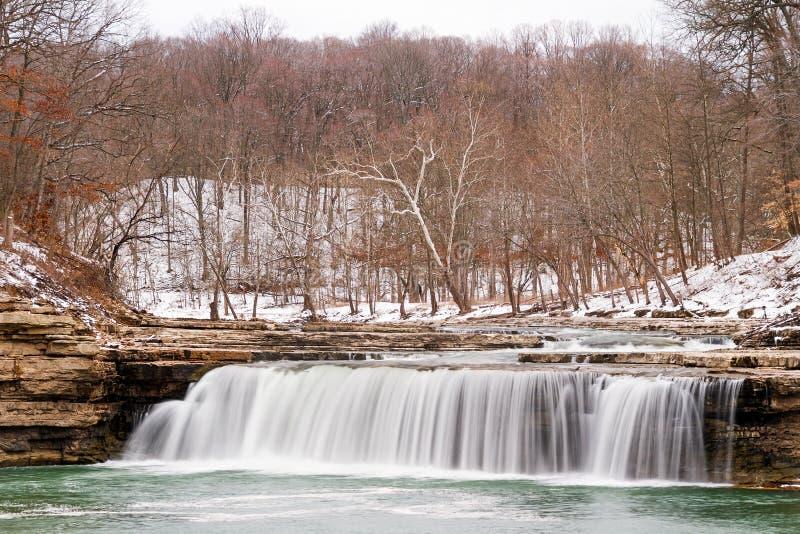Snowy-Wasserfall stockfotos