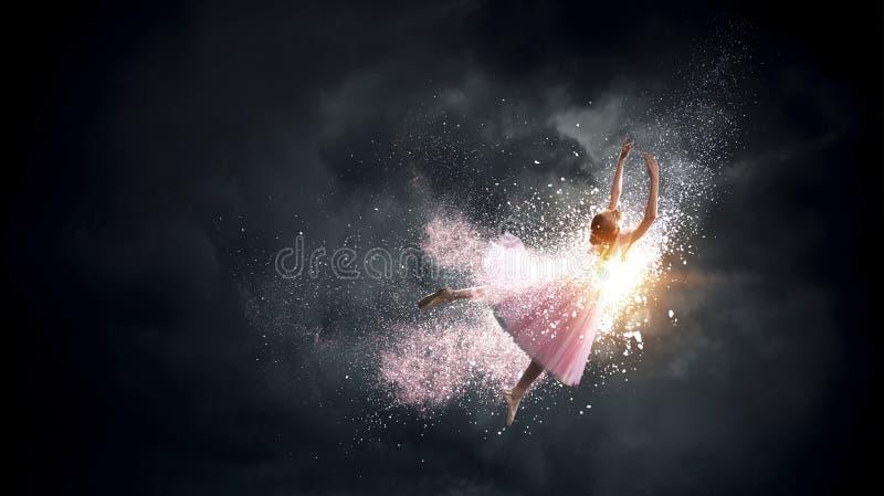 Soñando con convertirse en bailarina Medios mixtos imágenes de archivo libres de regalías