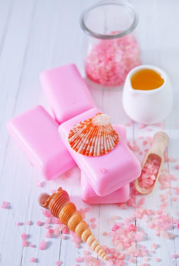 Download Soap och salta arkivfoto. Bild av brunnsort, blomma, stil - 37346088