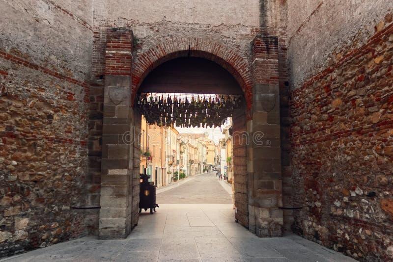 Soave, sierpień 4, 2018: Kasztel Soave, jest jeden wartościowe fortyfikacje w Veneto regionie zdjęcia royalty free