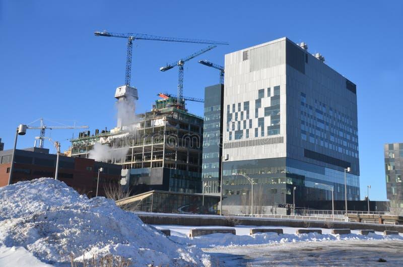 Sob o centro de Montreal novo da construção mais hospitalier imagens de stock