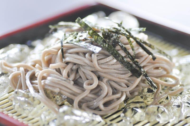 Soba frío o tallarines fríos (comida japonesa) fotografía de archivo libre de regalías