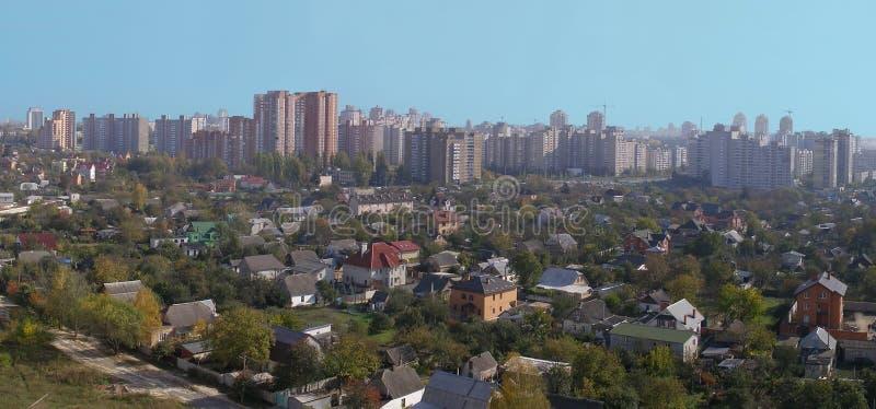 Sobborgo di grande città immagini stock libere da diritti