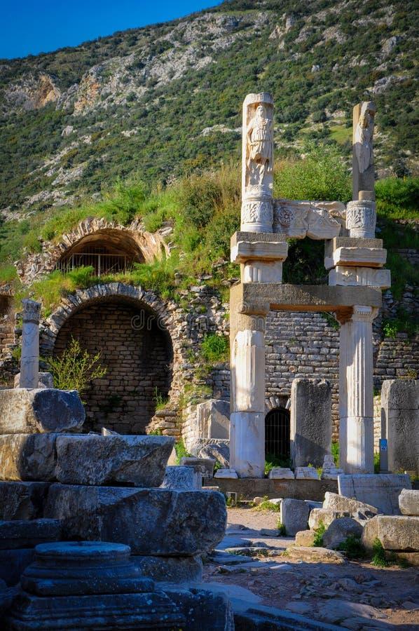 Sobras de uma civilização anterior em Ephesus fotos de stock royalty free