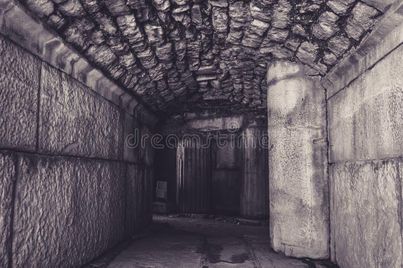 Sobras de uma civilização anterior em Ephesus imagens de stock