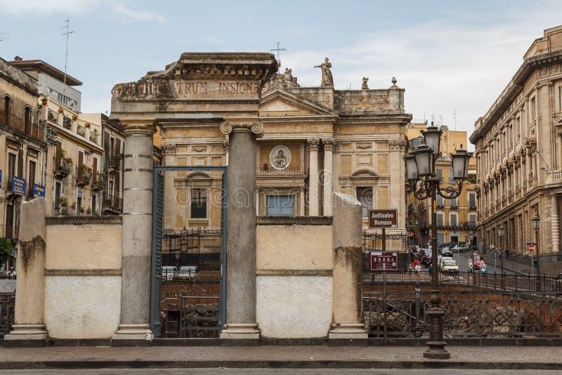 Sobras do anfiteatro romano foto de stock royalty free
