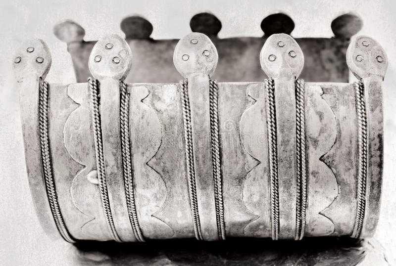 Sobre 100 anos de bracelete turco antigo velho fotografia de stock royalty free
