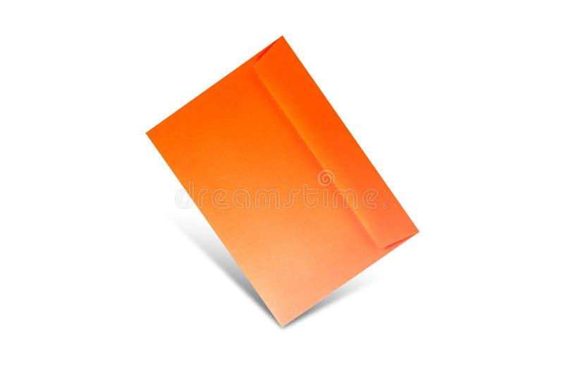 Sobre anaranjado en un fondo blanco con el espacio de la copia Maqueta puesta plana para d?a de San Valent?n, el d?a de la mujer, fotos de archivo libres de regalías