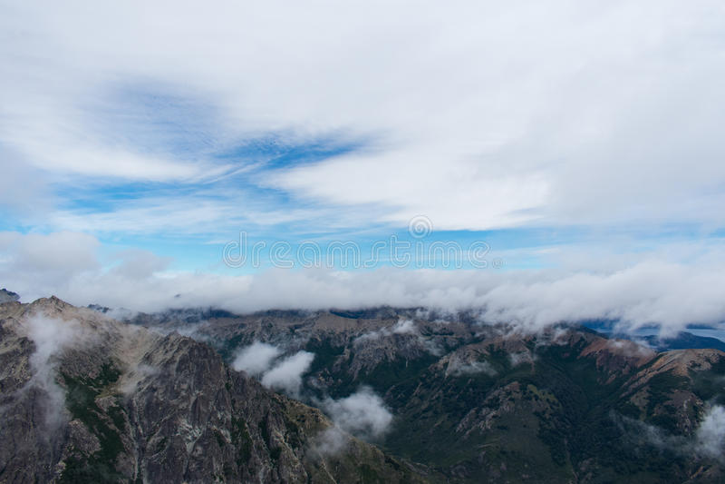 Sobre as nuvens fotografia de stock royalty free