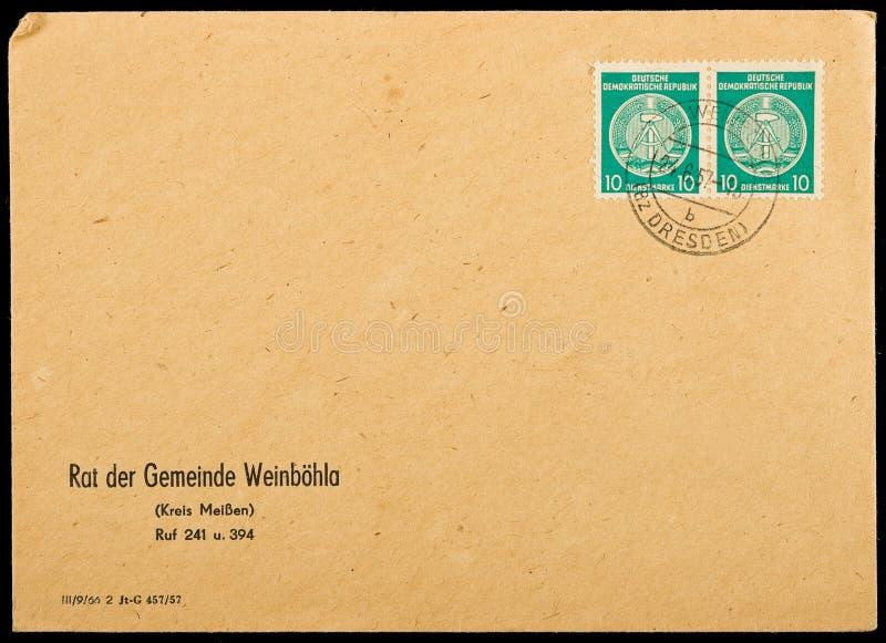 Sobre de envío usado vendimia imagenes de archivo