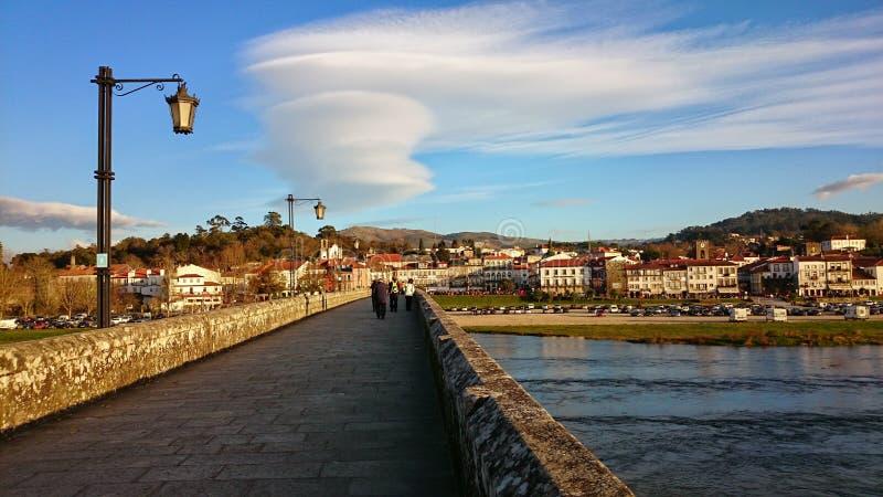 Sobre el puente medieval en Ponte de Lima foto de archivo libre de regalías