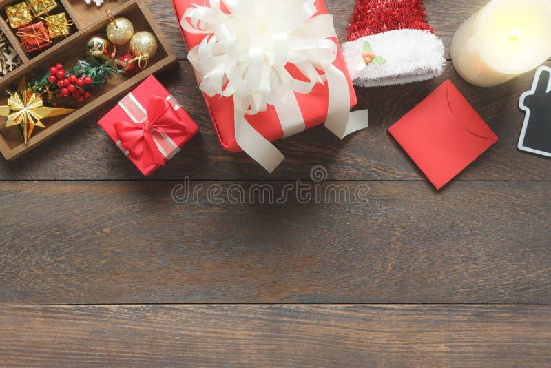 Sobre la imagen de la visión de la Feliz Navidad de la decoración y del ornamento y de la Feliz Año Nuevo fotografía de archivo