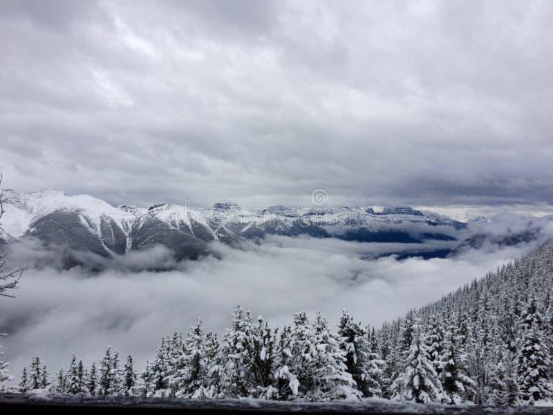 ¡Sobre las nubes! fotos de archivo