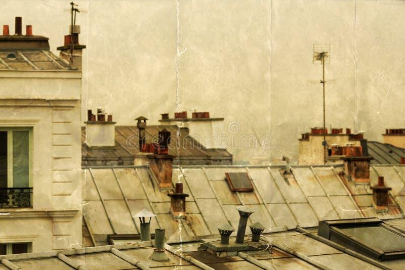 Sobre os telhados de Paris imagem de stock