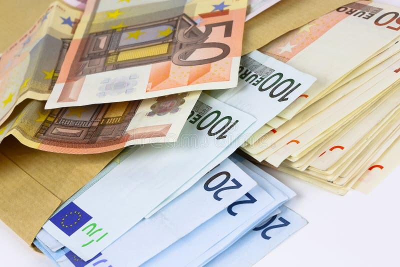 Sobre por completo del efectivo euro fotos de archivo libres de regalías