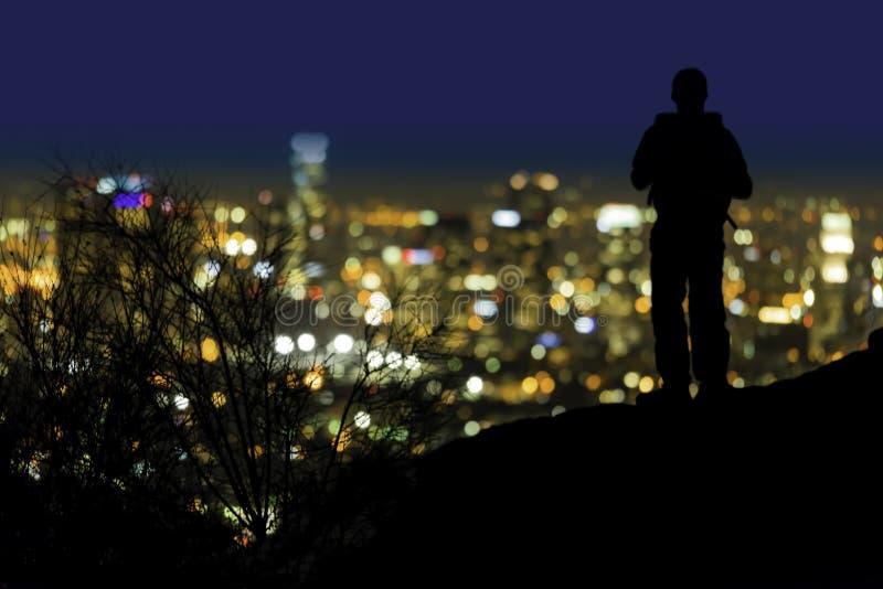 Sobre a vista de Los Angeles Califórnia na noite fotografia de stock royalty free