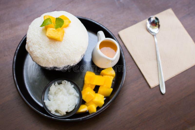 Sobremesa de Bingsu Coreia da manga fotos de stock
