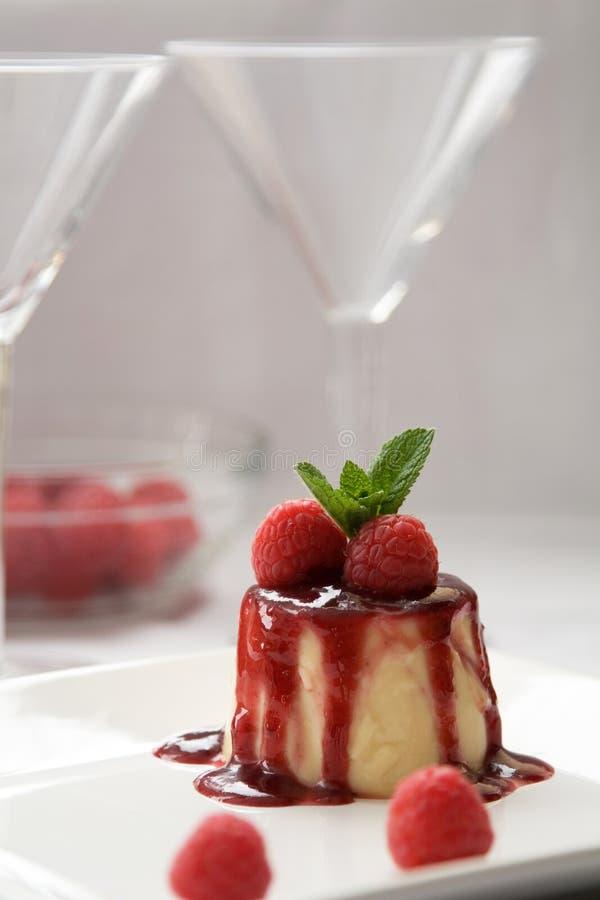 Sobremesa de Pannacotta imagens de stock