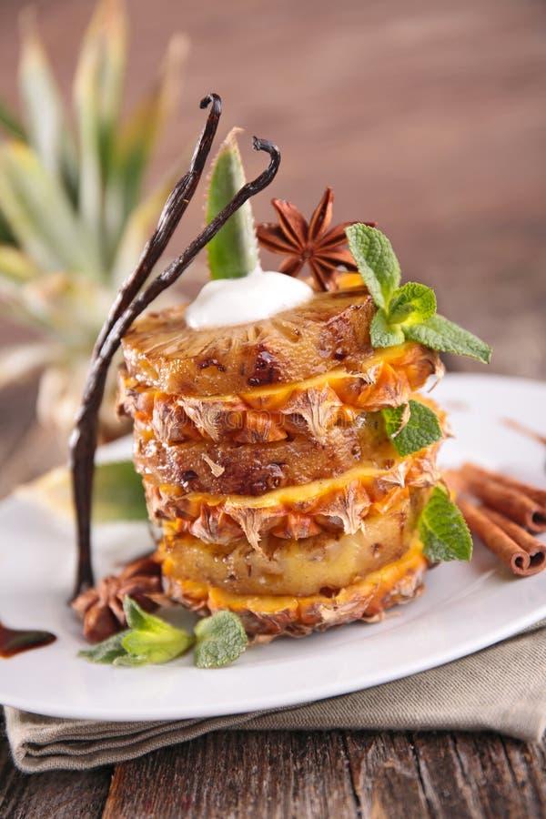 Sobremesa do abacaxi fotos de stock royalty free