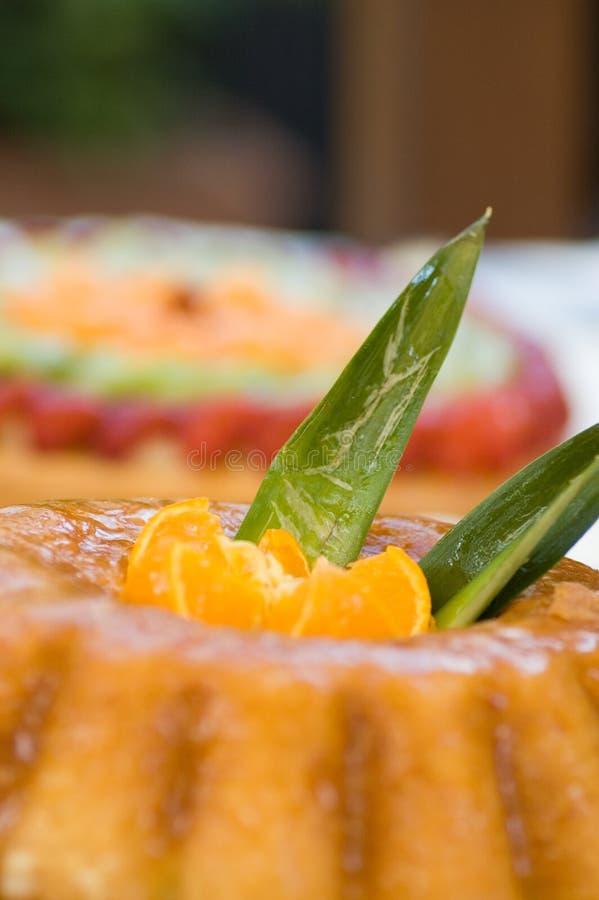 Sobremesa do bolo da fruta fotografia de stock royalty free