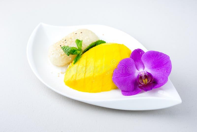 Sobremesa famosa da manga e do arroz pegajoso em Tailândia imagem de stock royalty free