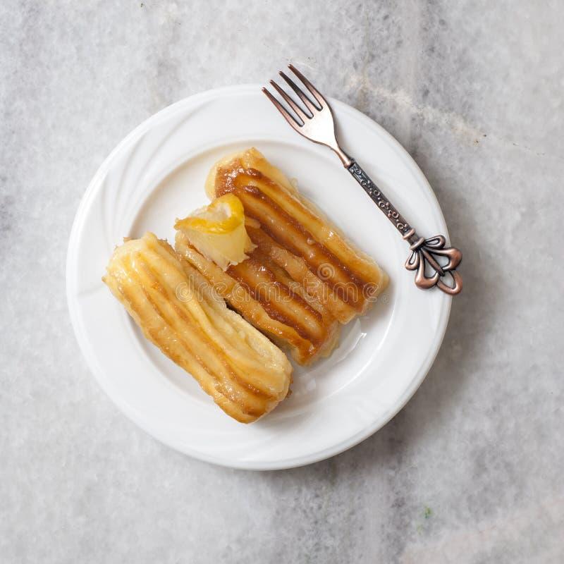 A sobremesa tradicional turca chamou Tulumba imagens de stock