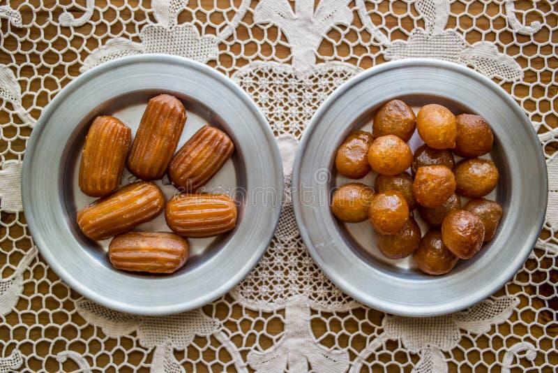 Sobremesa tradicional turca de Lokma e de Tulumba fotos de stock