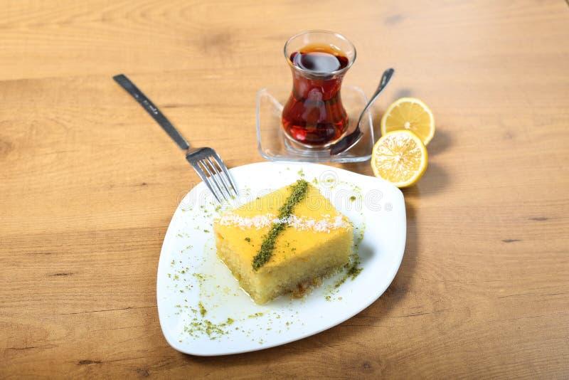 Sobremesa tradicional turca Revani fotos de stock royalty free