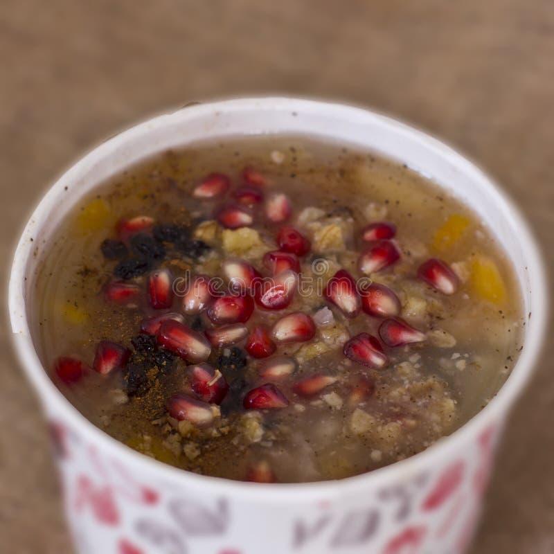 Sobremesa turca Asure Ashure dos cereais fervidos com frui secado imagens de stock royalty free