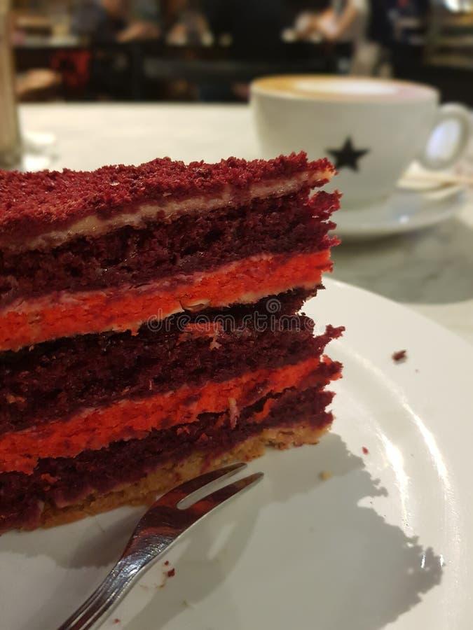 Sobremesa vermelha de veludo foto de stock