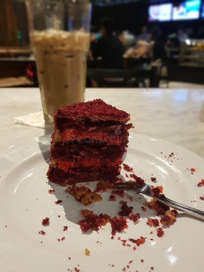 Sobremesa vermelha de veludo imagens de stock