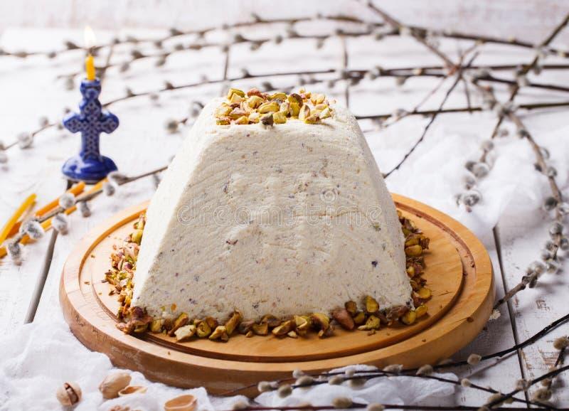 Sobremesas ortodoxos da Páscoa do russo tradicional imagens de stock royalty free