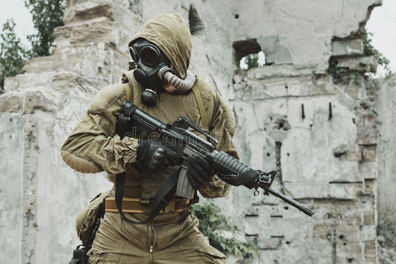 Sobrevivente nuclear do apocalipse do cargo fotografia de stock