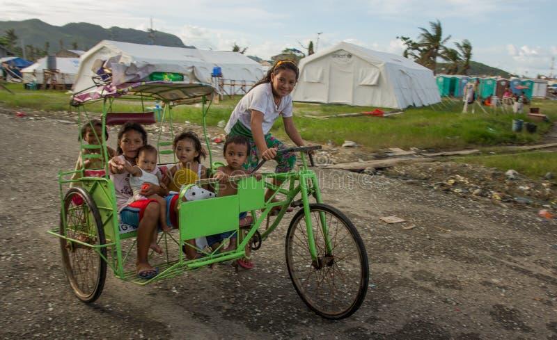 Sobreviventes de Haiyan do tufão foto de stock