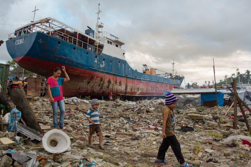 Sobreviventes de Haiyan do tufão foto de stock royalty free