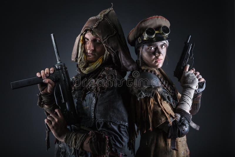 Sobreviventes nucleares do apocalipse do cargo foto de stock royalty free