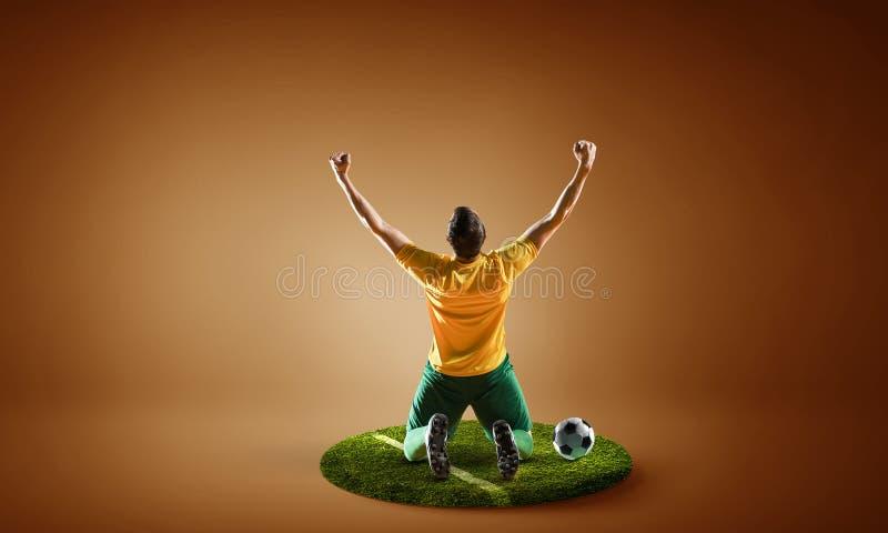 Soccer player on round pedestal Gemengde media royalty-vrije stock fotografie