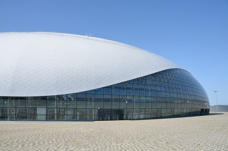 Sochi, Rússia, março, 01, 2016 Ninguém, palácio do gelo de Bolshoi para o hóquei em gelo no parque de Olimpic fotografia de stock royalty free