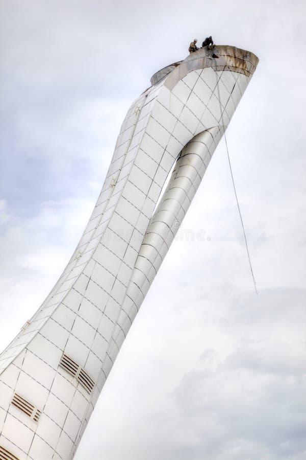 Sochi Reparieren Sie die olympische Fackel stockbilder