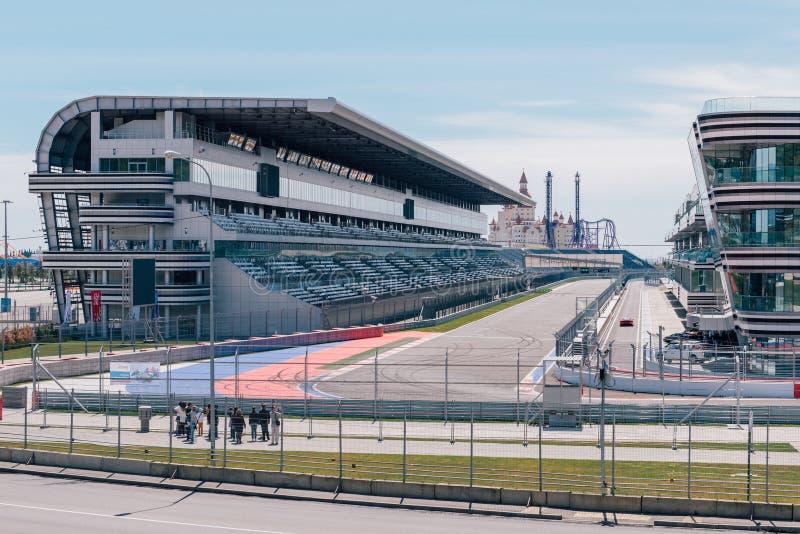 SOCHI, ROSJA, MAJ 3, 2015: Autodrom w Olimpijskim parku zdjęcia royalty free