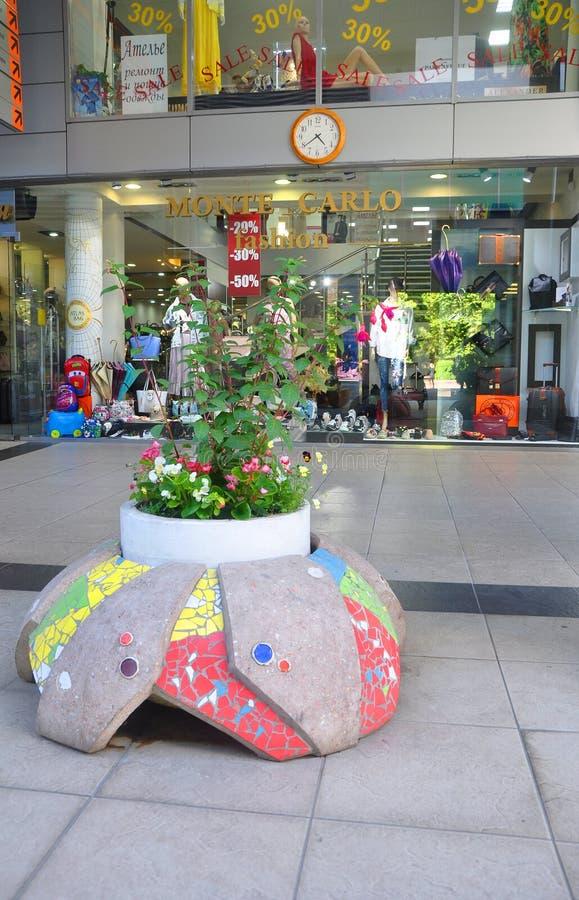 SOCHI ROSJA, MAJ, - 27, 2018: Mozaika kwiatu łóżko zdjęcie royalty free