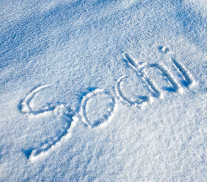 Sochi som är skriftlig i Snow arkivfoton