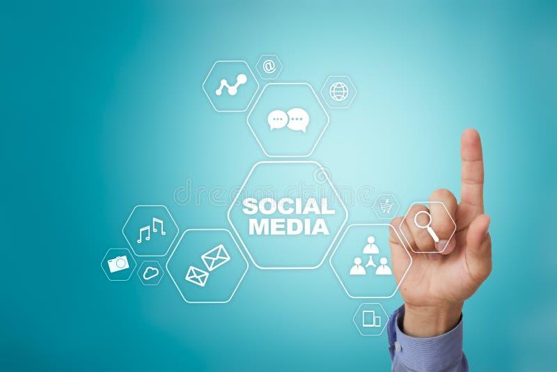 Sociaal media concept op het virtuele scherm SMM marketing Mededeling en Internet-technologie stock foto's