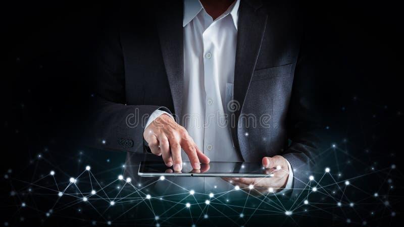 Sociaal netwerk, globaliseringszaken abstracte technologieachtergrond en bedrijfsmens royalty-vrije stock afbeeldingen