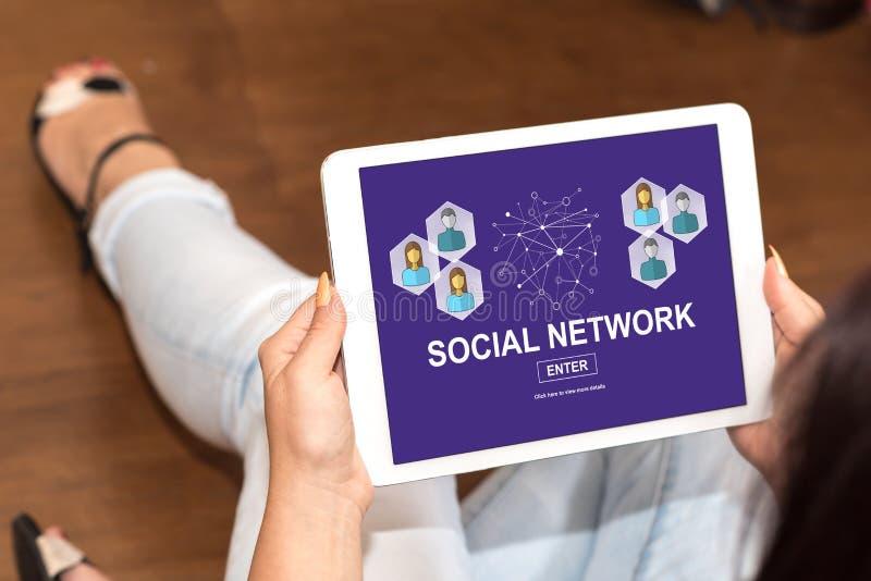 Sociaal netwerkconcept op een tablet royalty-vrije stock foto