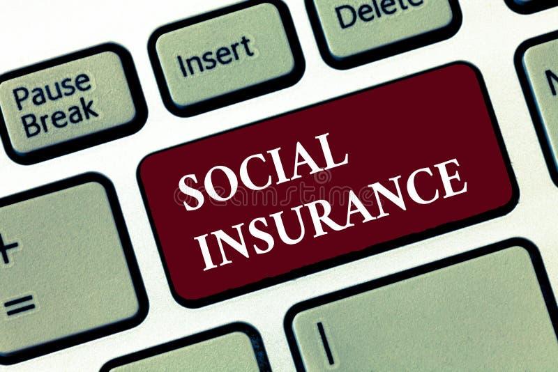Social försäkring för ordhandstiltext Affärsidé för skydd av individen mot ekonomiska faror fotografering för bildbyråer