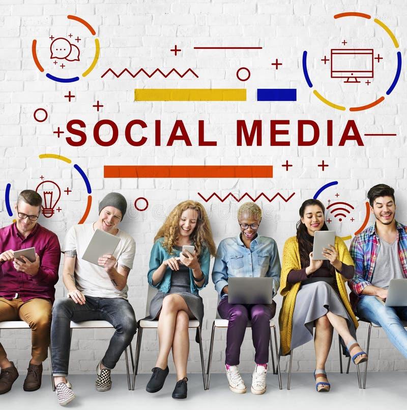 Social Media-on-line-Netztechnik-Grafik-Konzept stockfotos