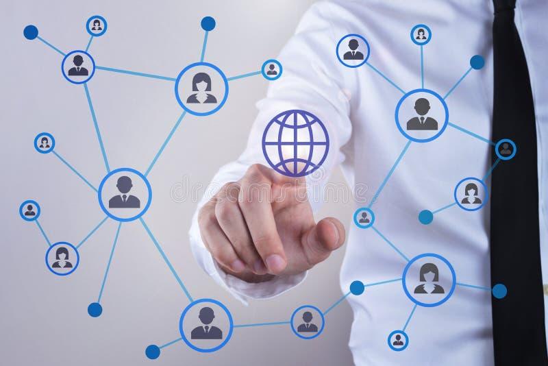 Social Media und Konzept des globalen Netzwerks lizenzfreie stockfotografie