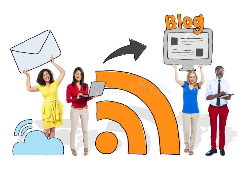 Social nätverkande för folk och bloggbegrepp royaltyfri bild